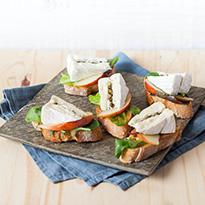 Bruschetta de camembert au poivre vert